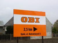 tablica_kierunkowa_wolnostojaca_obi